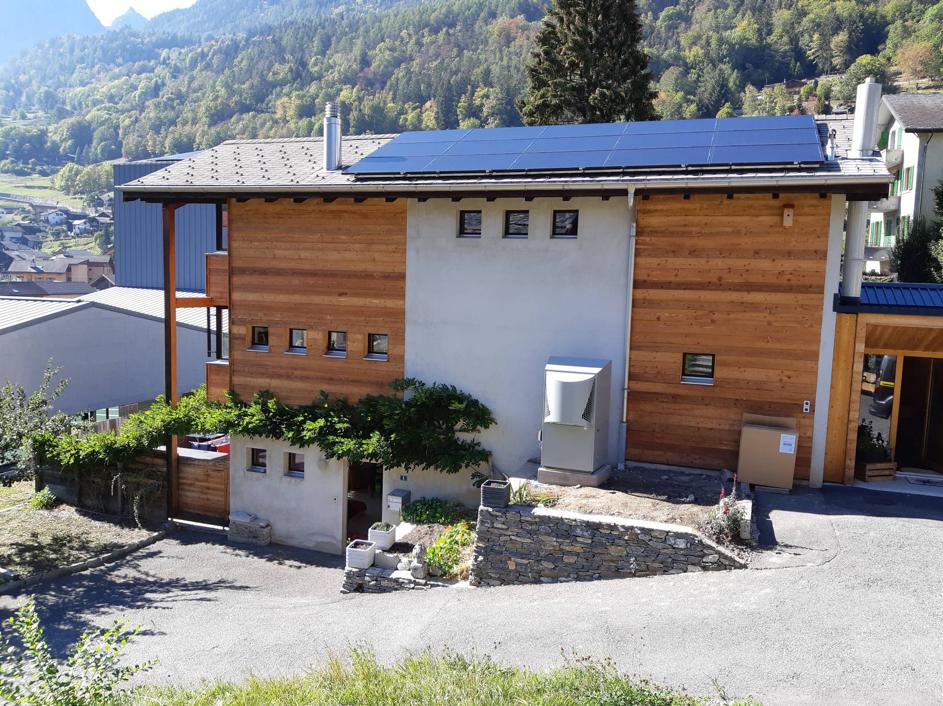 Chantier-salvan-panneaux-solaire-et-pompe-a-chaleur