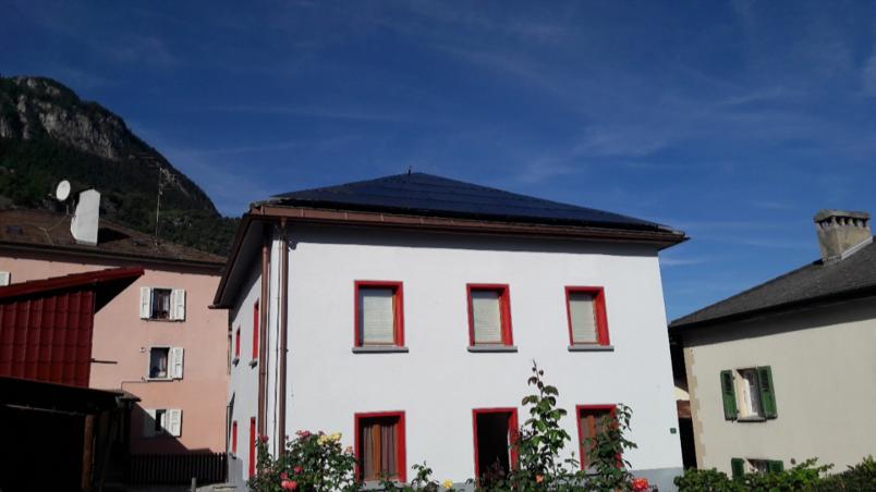 installation-de-panneaux-photovoltaiques-chalais